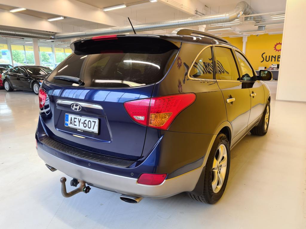 Hyundai ix55 3.0 CRDi V6 4wd 7-p Aut. + Nahat + Xenon + Keyless Go + Tutka + Infinity audio +  Vetokoukku + Juuri huollettu - Sunbiili